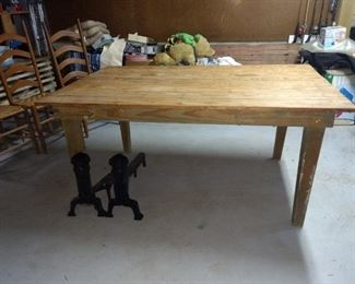 This is the grandmother's old table!!  It's awesome!!
