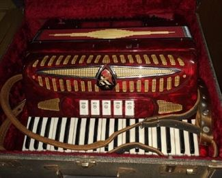 Many musical instruments in this sale!