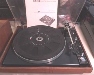 Belt-driven multiple play manual turntable, Model 960 by BIC, with manual