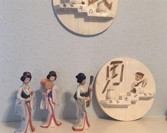 Pair of glazed ceramic Japanese wall art & Geisha figurines as a musical trio
