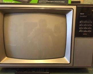 Portable RCA television