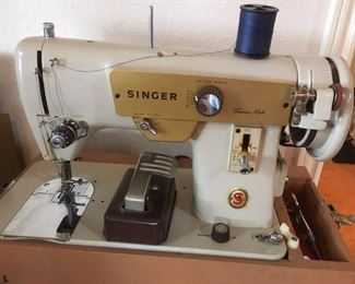Portable zig-zag sewing machine, Model 223 Fashion Mate by Singer