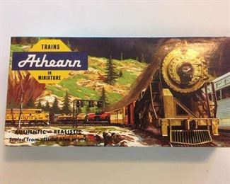 Most of the Athearn train cars available come with boxes