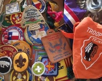 Assorted Scouts badges and neckerchiefs