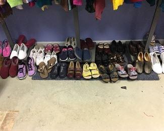 Shoes size 8m