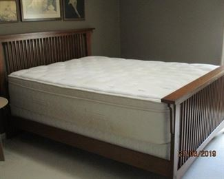 QUEEN-SIZE BED AND MATTRESS SET