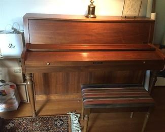 Baldwin piano $100 Good condition just looking for a good home