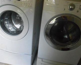LG washer/dryer set with drawers