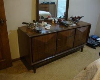 1960's dresser with mirror