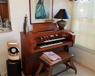 Thomas electric organ, lamps, wall art, etc.