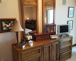 Dixie Furniture Co double dresser