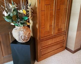 Dixie Furniture Co armoire