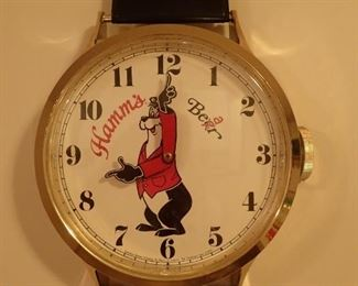 WALL HAMM'S BEAR WRIST WATCH CLOCK
