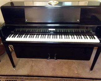 """Rare Stunning 1952 Steinway Studio/Console Piano in excellent condition asking $3,000  OBO!Steinway & Sons 40"""" Console Piano & Matching Bench all excellent condition! Model # H131 Built 1952 Serial # 337365 Lacquer/Satin Black Finish $3,000 or highest offer, this is a presale to an estate sale starting on 7/27 at 9am. Professional moving resources available. Similar on link:  https://www.ebay.com/i/192840834552?chn=ps&norover=1&mkevt=1&mkrid=711-117182-37290-0&mkcid=2&itemid=192840834552&targetid=596465834348&device=c&mktype=pla&googleloc=9023255&poi=&campaignid=1689407483&mkgroupid=74365778108&rlsatarget=aud-622524040958:pla-596465834348&abcId=1140476&merchantid=6296724&gclid=CjwKCAjw4NrpBRBsEiwAUcLcDHTyOPahjTBCo61W70802Q0Pw8LtLPOqoAB6syynuf3Iw695toai8xoCE44QAvD_BwE"""