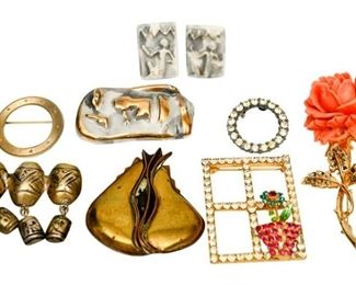 130. Mixed Lot Womens Costume Jewelry