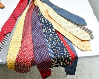 188. Lot of 28 Mens Designer Silk Satin Ties