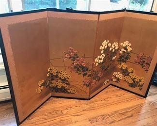 Oriental table screen