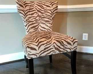 Set of 6 dining room chair.  Very comfortable, excellent condition, barely used.