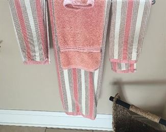 Several Sets of Towels and other cloth items