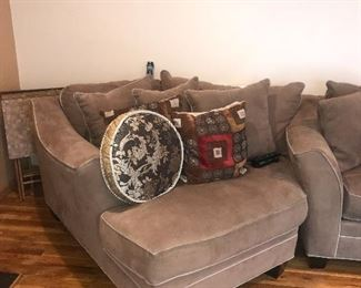 LARGE UPHOLSTERED SOFA W/CORNER LOUNGE CHAIR
