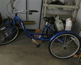 "Schwinn adult tricycle 26"" like new"