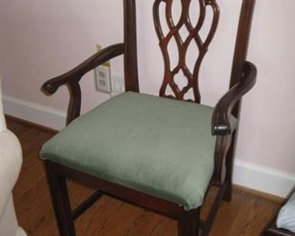 Extra arm chair