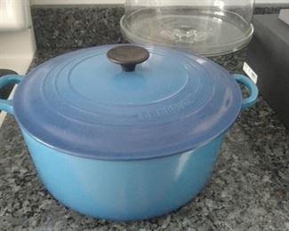 Le Creuset #28, 7.25qt enamel cast iron pot