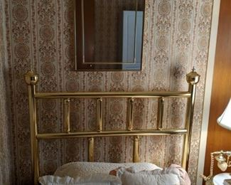 $30  Brass twin bedframe   NOW $15