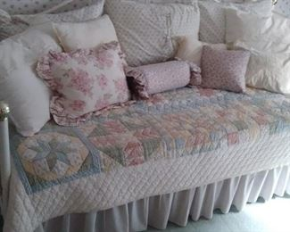 Very clean Daybed