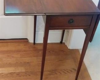 One drawer dropleaf mission table
