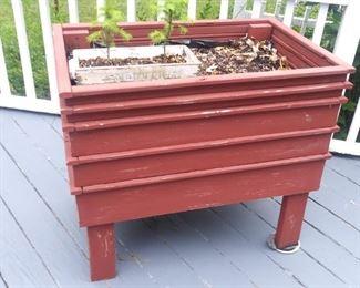 Raised deck planter