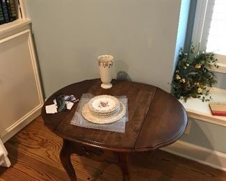 Dropleaf Victorian table