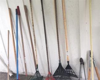 Yard tools: rakes, hoes & more