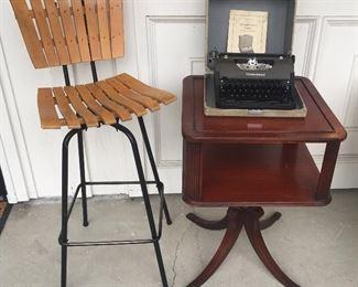 Single Arthur Umanoff-style bentwood slat bar stool (made in Yugoslavia), vintage mahogany 2-tier end table
