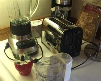 Hamilton Beach blender, Black & Decker chopper, Bella K-cup coffee maker, toaster, New Orleans cookbook