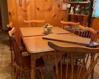 Maple table with 6 chairs and fold up fitted mat