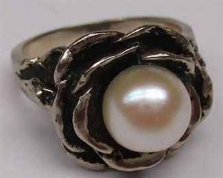 white gold and pearl ring