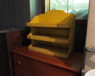 Nice yellow shelf