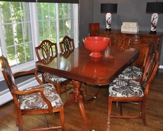 """Gorgeous vintage mahogany double pedestal with one 12"""" leaf dining table, 62""""w x 30""""h x 42""""d and 6 shield back dining chairs"""