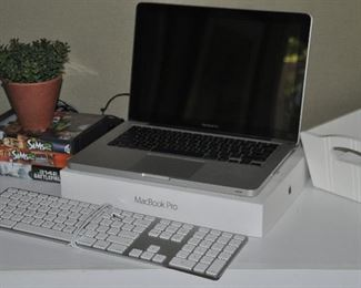MacBook Pro with keyboard (laptop keys are not working but works perfectly with the keyboard)