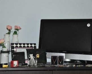 """Vizio 20"""" TV, assortment of jewelry, Coach wallet and more!"""