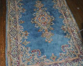 "Lovely area rug, 6'4"" x 4'"