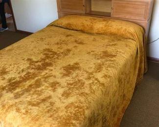 Mid-Century Double Bed and Drexel Dresser https://ctbids.com/#!/description/share/185389