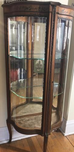 Robert Mitchell Curved Glass Curio https://ctbids.com/#!/description/share/188240