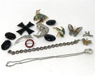 Pretty Costume Jewelry https://ctbids.com/#!/description/share/188245