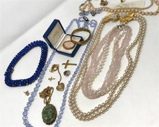 Pearls, Cameos, and Rhinestones https://ctbids.com/#!/description/share/188253