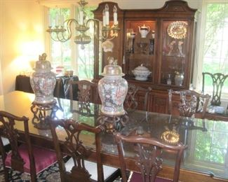 Henredon Chippendale Style Dining Set with 10 Chairs.