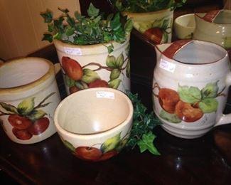 Apple pottery