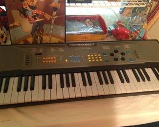 Techno-Beat electronic keyboard