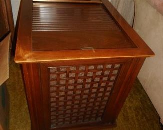 Mid Century Compact AM/FM STEREO Phonograph